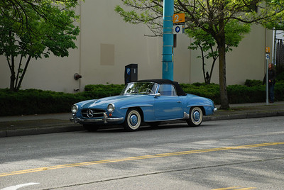 Hey look! It's a 300SL! Oh wait, it isn't...
